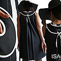 J'écris ton nom sur cette robe ... Liberté : Robe trapèze Bicolore Noir Blanc cassé Tendance Femme 2015 Graphique !
