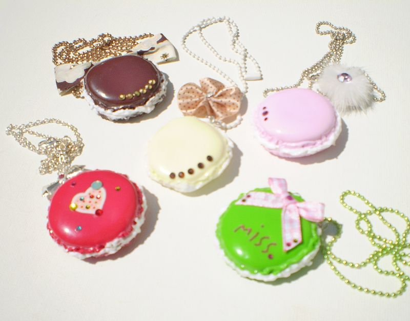 **COLLIERS MACARONS**