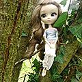Eléanore, enfant des feuilles