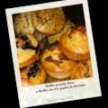 Muffins pistache-dattes et muffins thé vert-chocholat
