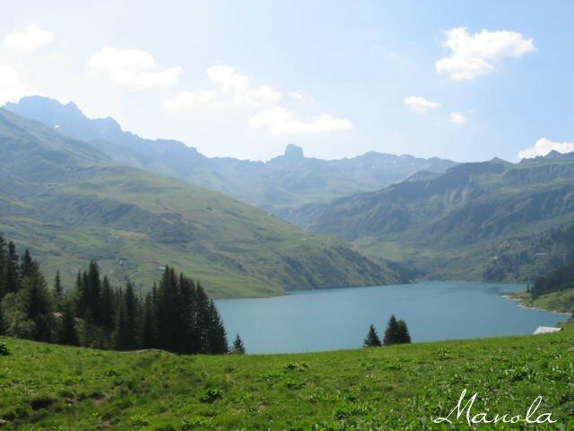 vu sur le lac de Roselend