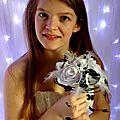Bouquet de mariée noir et blanc orchidée roses plumes
