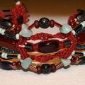 Bracelet de Macramé de Jade et perles de verre, fil de lin naturel teinté Bordeaux,