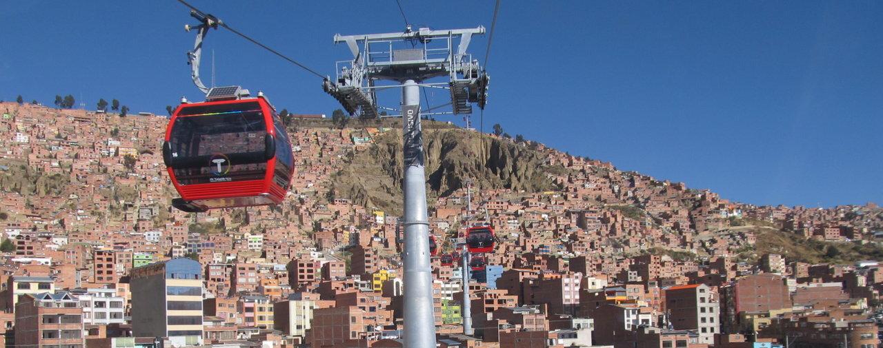Télécabines urbaines: l'histoire d'une réussite bolivienne