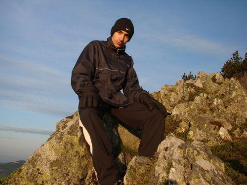 2008 05 23 Cyril au sommet du Mont Mézenc