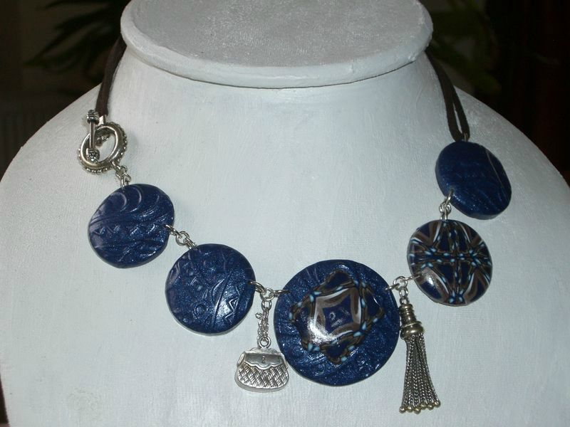 collier valise