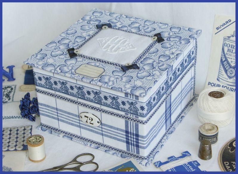 2009-10 Boite en bleu et blanc 2
