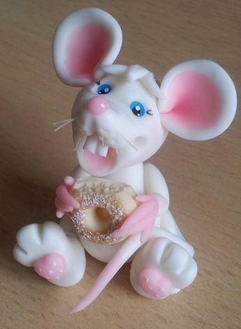 White mouse with donut