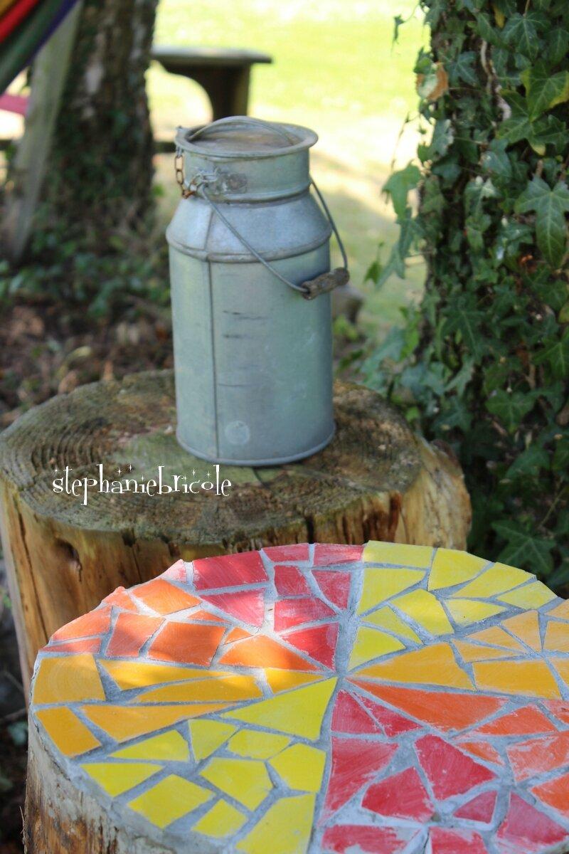 DIY mosaique récup : colorer une souche d'arbre