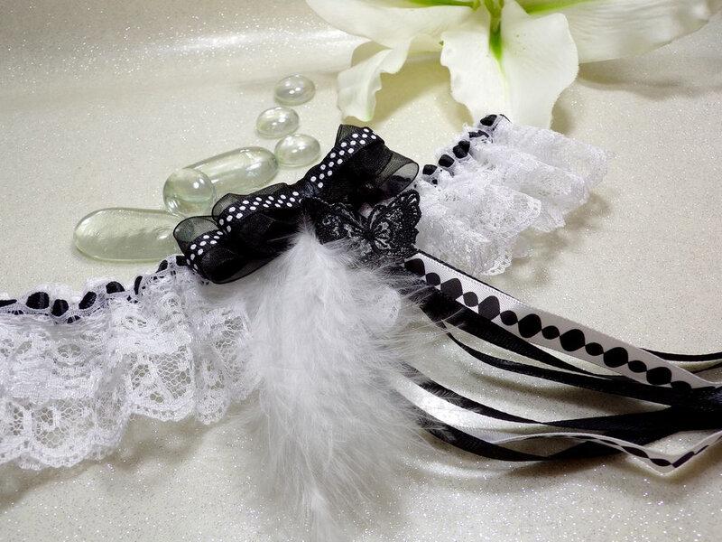 Jarretière de mariage papillon noir blanc noeud