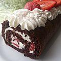 Roulé-bûche fraise et chocolat