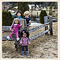 Quatre enfants espiègles au premier jour de beau temps - four playful children on the first day of beautiful weather