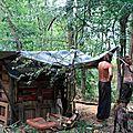 Cabane avec zadistes cool