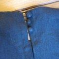 Robe trapèze THERESE en lin noir et ruché de tulle souple rose à pois bruns - Manches très courtes - Fermée par 3 petits boutons recouverts dans le dos (9)
