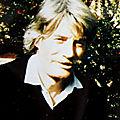 1953 - JEAN TENENBAUM ABANDONNE LE NOM DE JEAN LAROCHE POUR CELUI DE JEAN FERRAT