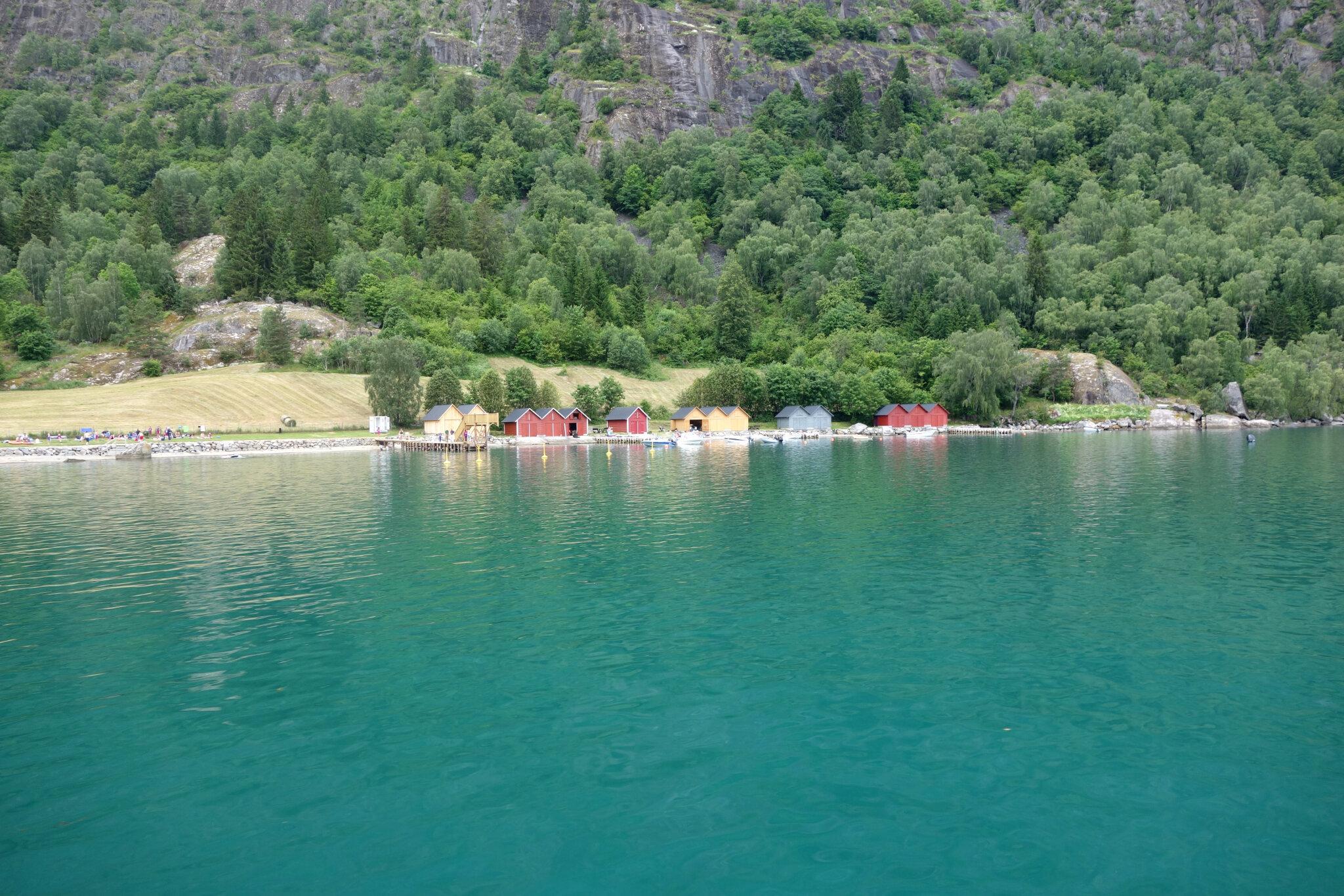 Solvorn, au bord de Lustrafjorden