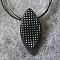 Bijoux noirs et blancs 008