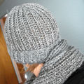 Bonnet et foulard en côtes 1x1 Evita
