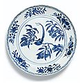 A superb blue and white 'Bird' charger. <b>Ming</b> Dynasty, Yongle <b>period</b>