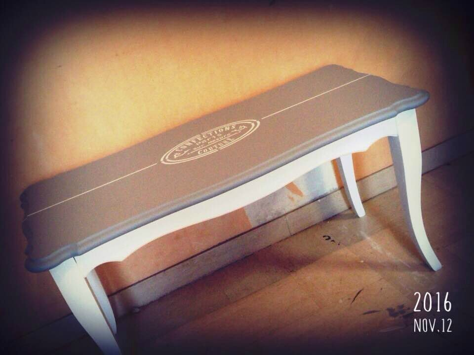 """table basse grise et blanche """"Série Charme Campagne Chic"""""""