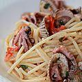 Spaghetti au poulpe et aux coques