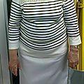 Marie avec sa jupe blanche dans un look Jean-Paul Gauthier ;)