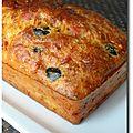Cake au jambon et olives noires, parfumé aux herbes de provence