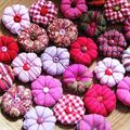 Pincushion? broches?colliers fous?une guirlande