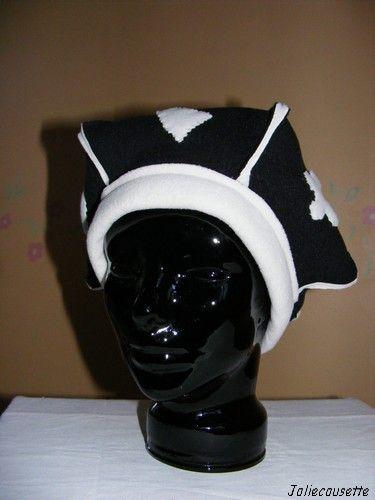 beret pointu noir et blanc face
