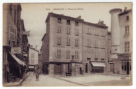 43 - BRIOUDE - Place du Mazel