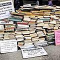 Les bibliothécaires de grenoble manifesteront à livre paris contre les coupes budgétaires