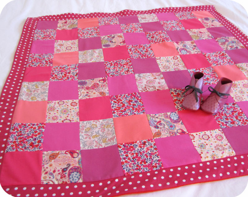 Plaid-couverture patchwork Liberty-Uni-Pois pour Lucie Joye