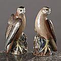 Chine de commande. Paire de grandes figurines représentant des <b>faucons</b>. Epoque Qianlong (1736-1795) circa 1750