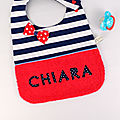 Bavoir bébé personnalisable brodé prénom Chiara style marin rouge bleu marine blanc bavoir prénom original cadeau naissance baptême