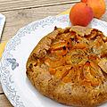 Tarte rustique aux abricots et romarin