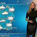 La présentatrice de la météo allemande claudia kleinert portant du cuir