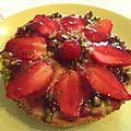 Tartelette aux guariguettes & pistaches & son nappage de fraise/basilic
