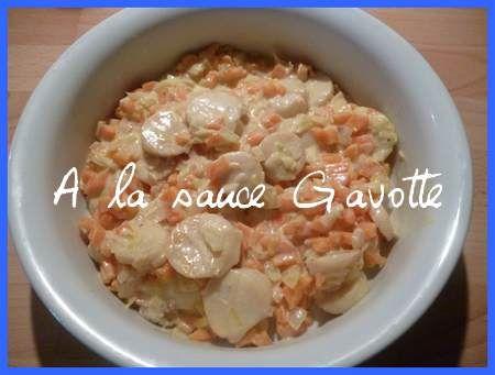 Coquilles St Jacques aux légumes cuits dans du vin blanc