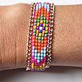 Bracelet 'Native American' en perles et chaîne dorée