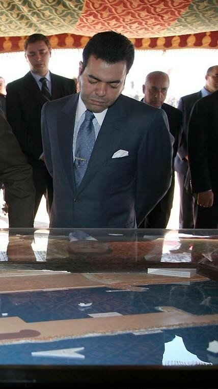 HRH Prince Moulay Rachidon humanitarian mission to Sahara to highlight the developments in the region and to evaluate the humanitarian situationin areas March 31th, 2006