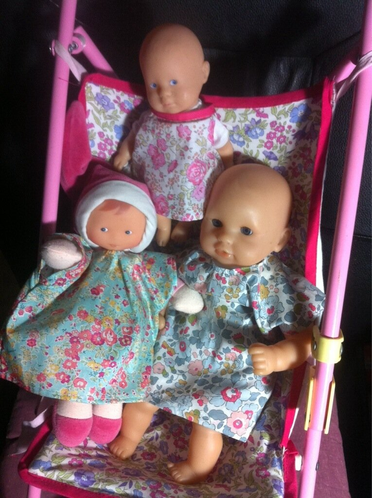 Défi: robes de mini poupées!!