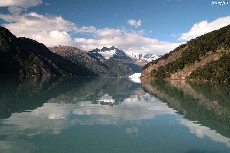 montagnes glacier et reflets