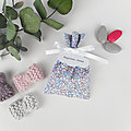 Ballotin à dragées tissu Liberty Eloïse bleu dragée , ruban satin blanc , étiquette papier personnalisée