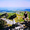 Randonnée pédestre sur le point culminant de l'auvergne et du massif-central: le puy de sancy / mont-dore .