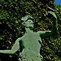 Statue parisienne.
