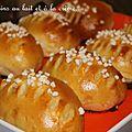Petits pains au lait et à la crème fraîche ou hokkaido milk buns de sandra