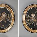 Paire de médaillons de forme ovale en «scagliole» sur fond noir. italie, xviiième siècle