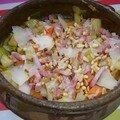 Salade tiède de légumes d'hiver, lardons, parmesan et pignons