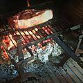 Du bonheur d'un (simple) repas au feu de bois