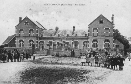 La mairie et les écoles